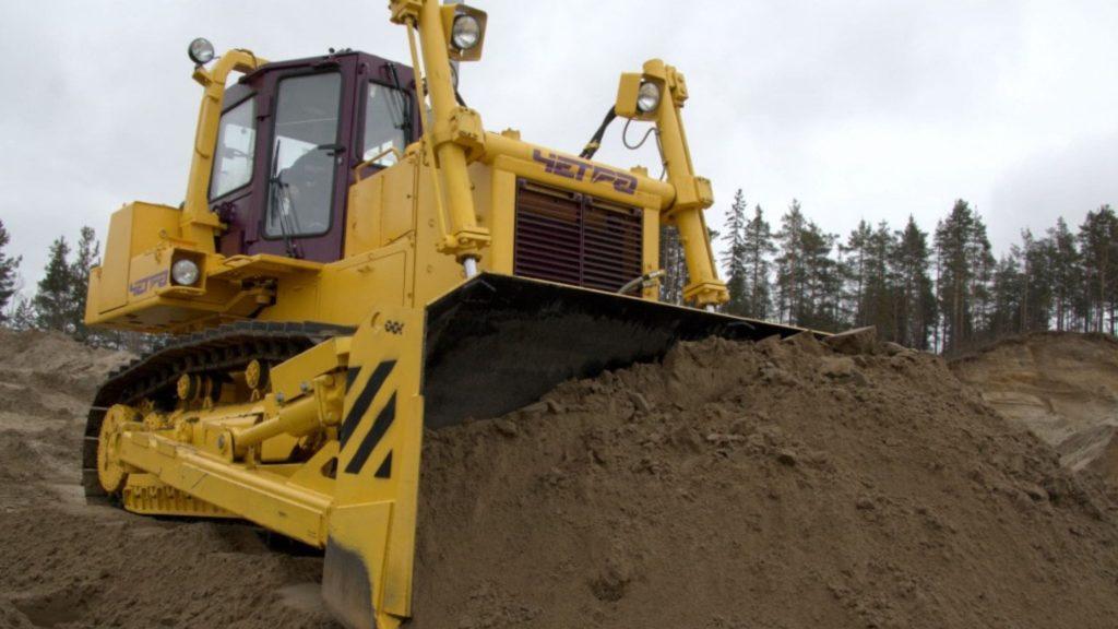 remont-traktora-buldozera-t-15.01-v-moskve